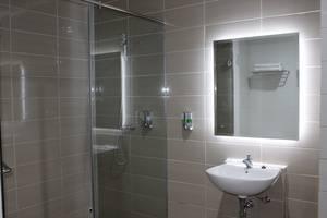 Opi Indah Hotel Palembang - Kamar mandi