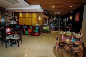NIDA Rooms Raya Dukuh Kupang 50 Surabaya - Resepsionis