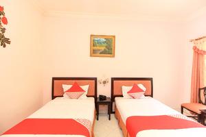 OYO 233 Hotel Global Inn