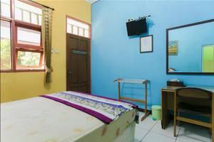 Riyadi Guest House Surabaya - Tulip Room