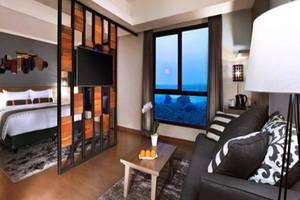 Harper Purwakarta - Suite Room