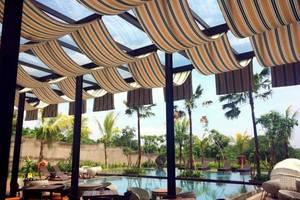 Harper Purwakarta - Swimming Pool