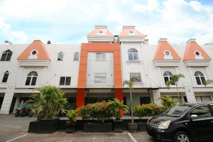Airy Wonorejo Ruko Lancang Kuning Nangka Pekanbaru - Hotel Building
