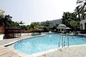 R Hotel Rancamaya - Kolam Renang