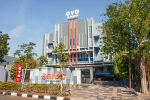 OYO Flagship 1071 Sonic Airport Hotel Semarang