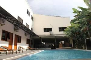 Hotel Augusta Lembang - Swimming Pool