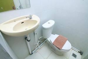 Pendowo Huis Guesthouse Yogyakarta - Kamar mandi