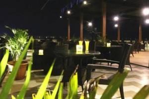 D'vin Hotel Batam - pemandangan