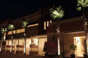 Hotel Arowana  Jember - bangunan
