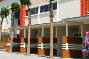Hotel Arowana  Jember - Exterior