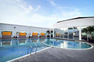 Grand Jatra Balikpapan - Swimming Pool