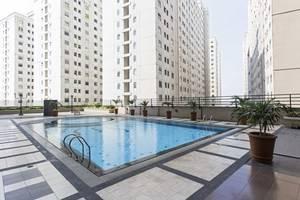 RedDoorz Apartment @ Pegangsaan Kelapa Gading 3 Jakarta - Kolam Renang