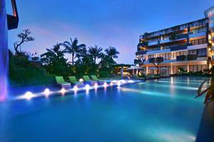 Vasanti Seminyak Resort Bali - Public Swimming Pool