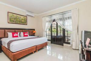 ZenRooms Seminyak Taman Petitenget Bali - Tampak keseluruhan
