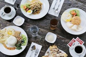 Guest House Rumah Wahidin Syariah Probolinggo - Foods and drinks