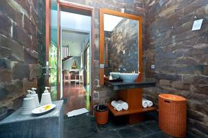 Dipan Resort Bali - bathroom 3brvilla