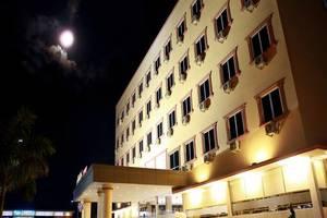 Avia Smart Hotel Batam - Tampilan Luar Hotel