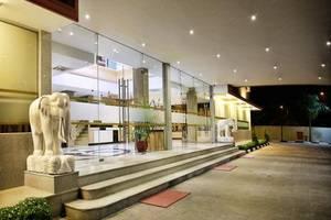 Avia Smart Hotel Batam - Pintu Masuk