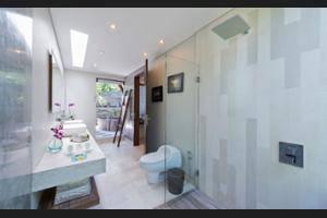 The Layar - Designer Villas & Spa Seminyak - Bathroom