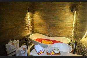 The Kumpi Villas Bali - Deep Soaking Bathtub