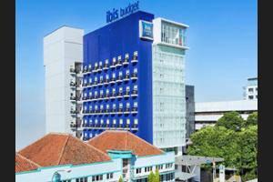 ibis budget Bandung Asia Afrika - Hotel Front