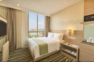 Holiday Inn Express Semarang Simpang Lima - Business Center