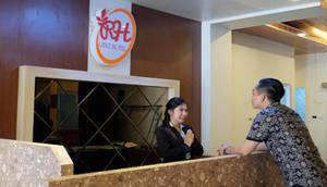 Renz Hotel Bangka - Reception
