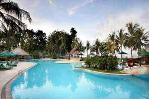 The Santosa Villas & Resort Lombok - Swimming Pool