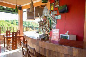 ZEN Premium Pecatu Padang Padang Beach Bali - Resepsionis