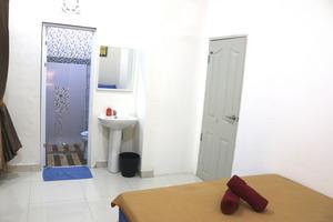 Ostic House Yogyakarta - Budget double room with mini bathroom