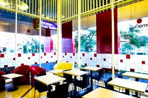 Amaris Mangga Dua - Lounge