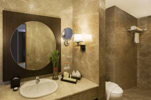Hotel Chanti Semarang - Junior Suite Bath Room