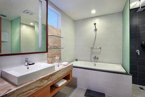 Aston  Solo - Suite Bathroom