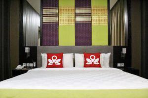 ZenRooms Gunung Bawakaraeng Makassar - Tampak tempat tidur double