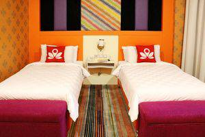 ZenRooms Gunung Bawakaraeng Makassar - Tampak tempat tidur twin