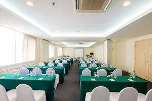 Sintesa Peninsula Palembang - Kelas