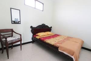 Ndalem Mantrijeron Hotel Yogyakarta - Minimalis Room
