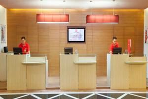 Ibis Mangga Dua Jakarta - Receptionist