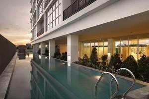 Hotel Santika  Cikarang - Kolam Renang