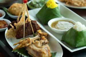 Hotel Santika Premiere Bekasi - Menu Restoran