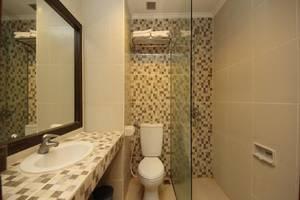 Maharani Hotel Jakarta - Kamar mandi