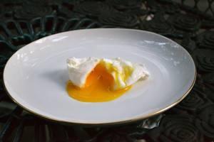 Arya Hotel & Spa Bali - telur rebus