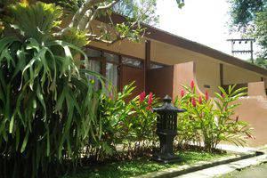 Arra Lembah Pinus Hotel Ciloto - Bungalow 1 room