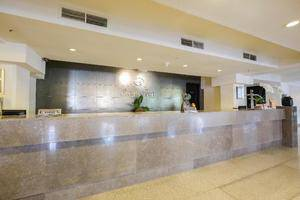 Kenari Tower Hotel Makassar - Receptionist