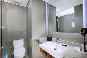 Aston Inn Batu Malang - Superior Bathroom