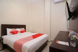OYO 1626 Alena Residence Near RS Ludira Husada Tama
