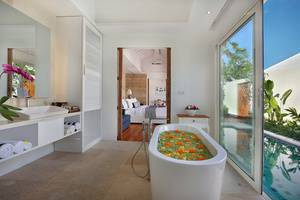 Aleva Villa Bali - Kamar mandi