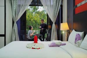 Centro Hotel  Batam - Studio Room balcony