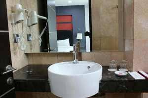 Centro Hotel  Batam - Bath Room