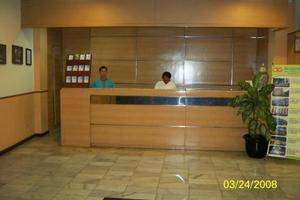 Hotel Augusta Surapati - Receptionist